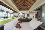 Exclusive villas on Maenam Beach